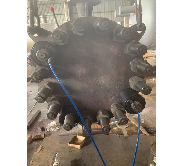 炼油厂压力容器螺栓预紧